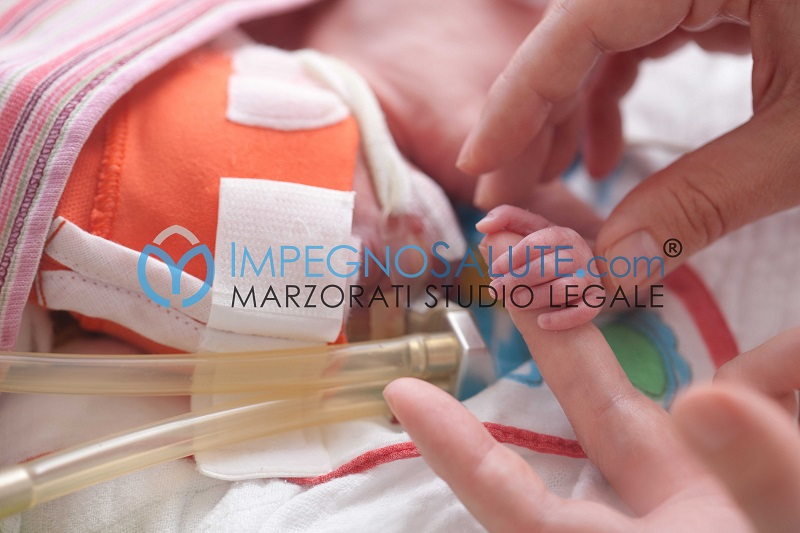 Bambino intubato